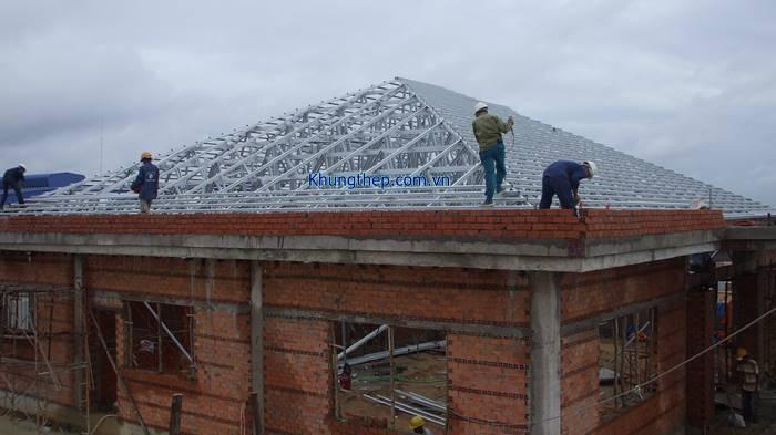 Mái nhà khung thép lợp ngói